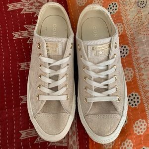 Converse All Star Low Top US8 gold/cream